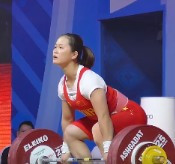 China's Deng Wei broke three world records as she won the IWF World Cup in Fuzhou ©IWF