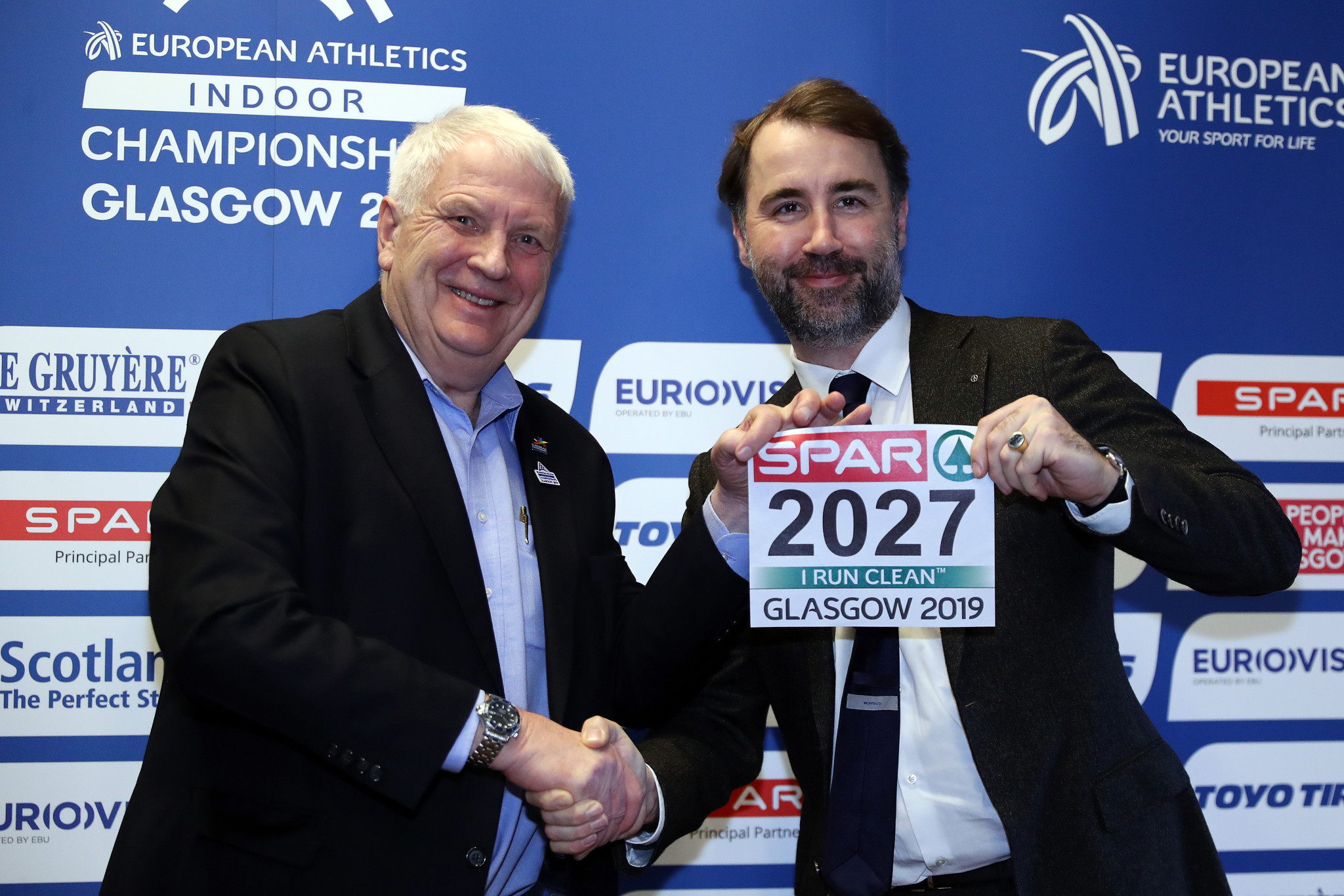 European Athletics President Svein Arne Hansen, left, and SPAR chief executive Tobias Wasmuht pictured at Glasgow City Chambers today ©Getty Images