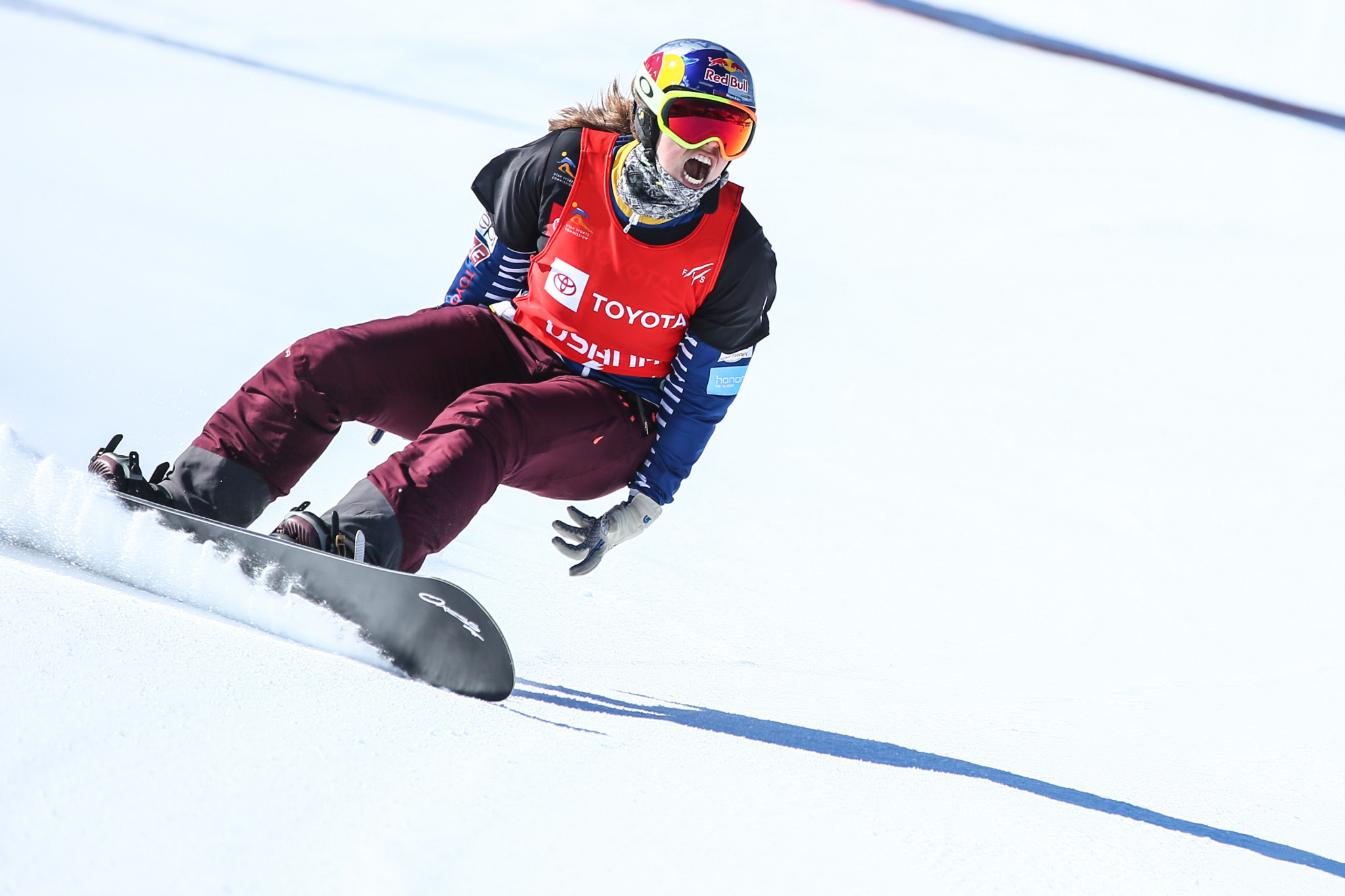 Samková wins in Spain to draw level with Jacobellis in race for overall FIS Snowboard Cross World Cup title