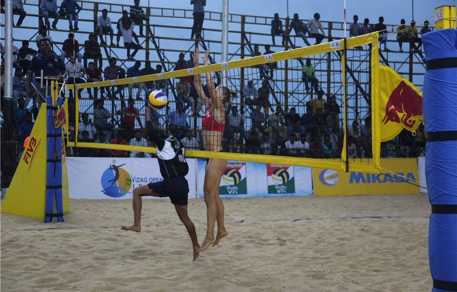 The Vizag Open, a star one IVB Beach World Tour event, continued in Visakhapatnam today ©FIVB