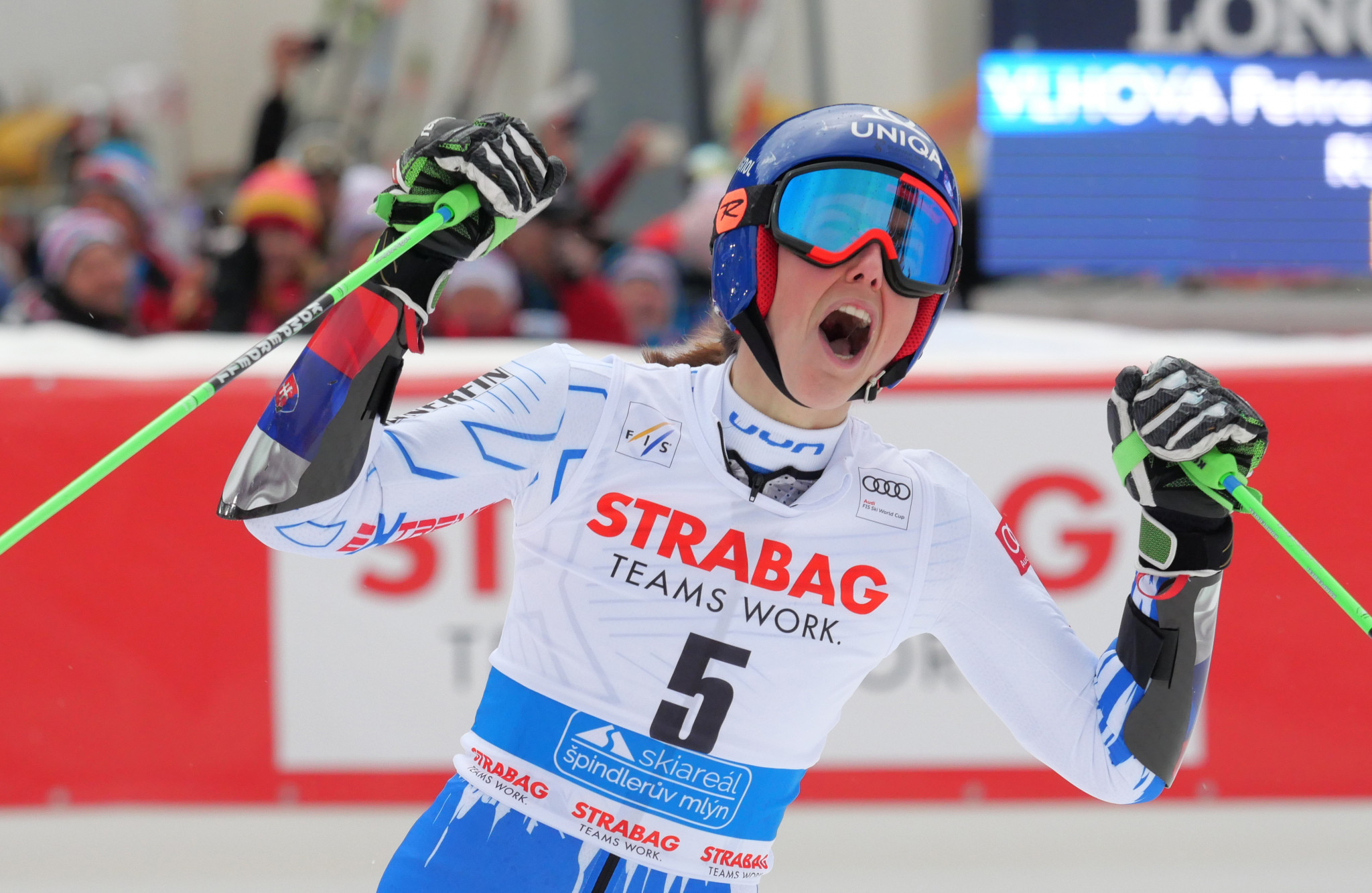 Shiffrin's World Cup giant slalom ambitions checked as Vlhova wins in Špindlerův Mlýn
