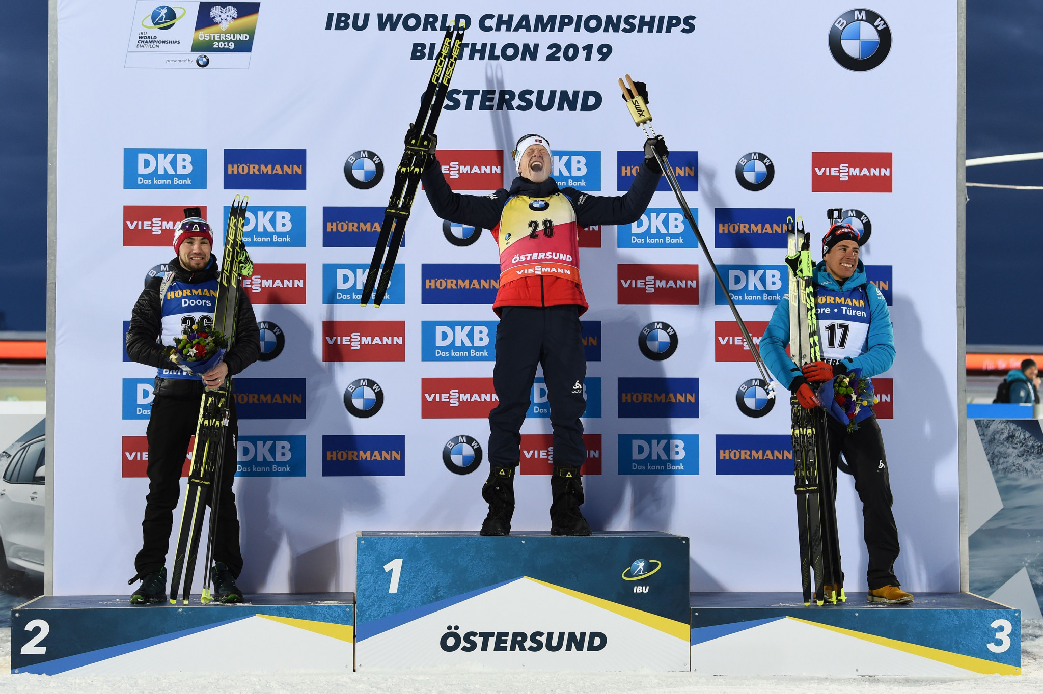Johannes Thingnes Bø beat Alexander Loginov to seal his second world sprint title ©Getty Images