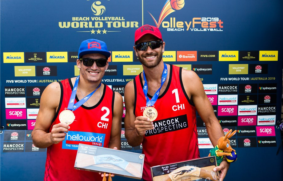 Cousins Marco and Esteban Grimalt of Chile discovered a lot of home fans at Manly Beach as they won the FIVB Beach Volleyball World Tour event in Sydney ©FIVB