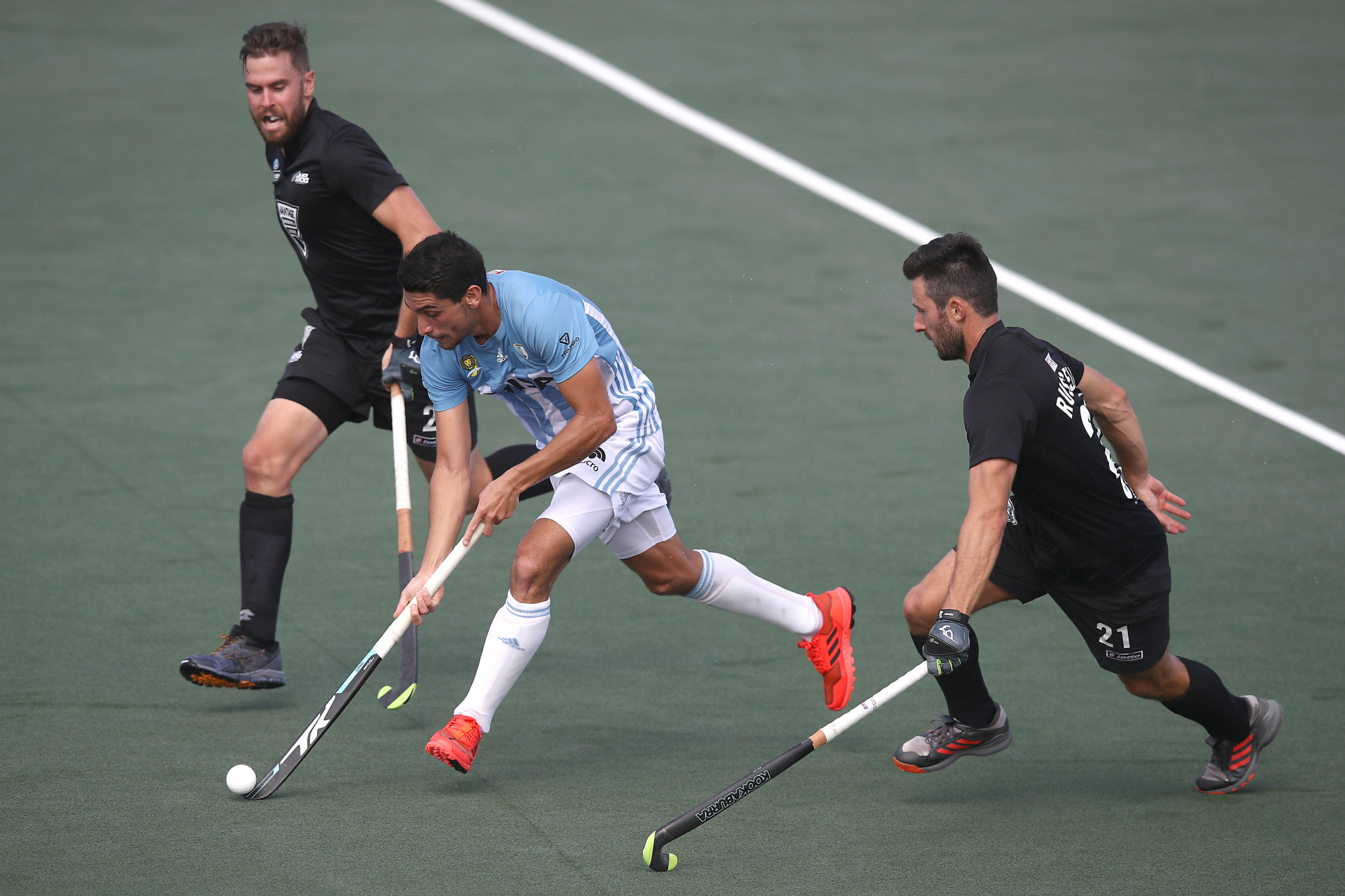 Argentina also proved too strong for the home side in the men's encounter ©Getty Images