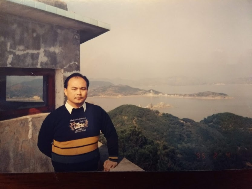 Chen Wenbin at China's island training base in the 1990s ©CWF