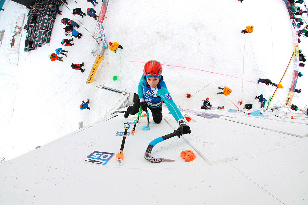 Ninth-time lucky for Kuzovlev as he wins lead title at UIAA Ice Climbing World Championships in Kirov