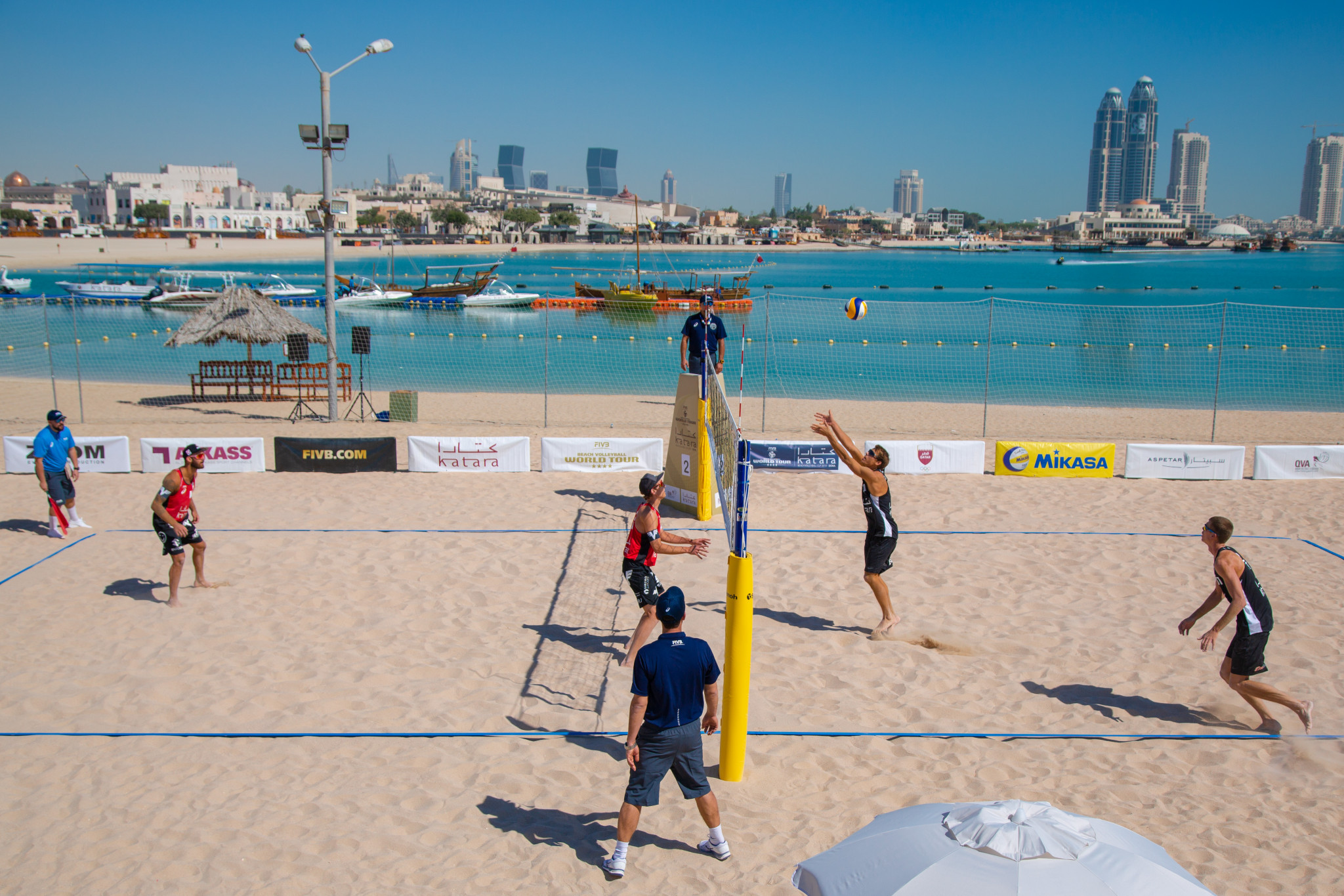 The four-star FIVB Beach Volleyball World Tour event is underway in Doha ©FIVB