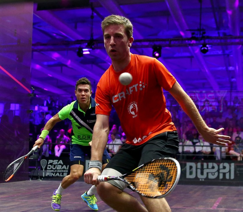 Castagnet produces upset of the night at PSA Canary Wharf Classic