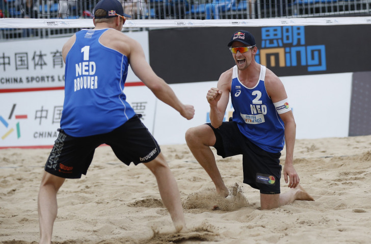 Defending Doha champions Alexander Brouwer and Robert Meeuwsen of The Netherlands provided tough opposition for the new Brazilian pairing today at the FVB Beach Volleyball World Tour event ©Getty Images