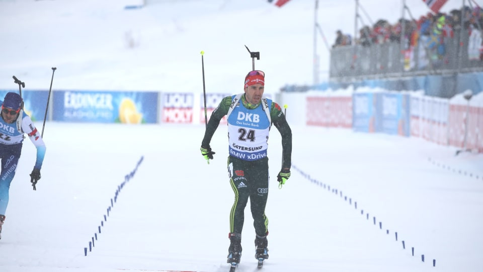 Germany's Arnd Peiffer shot clean on his way to winning the men's 20 kilometres individual gold medal at the IBU World Championships in Östersund ©IBU