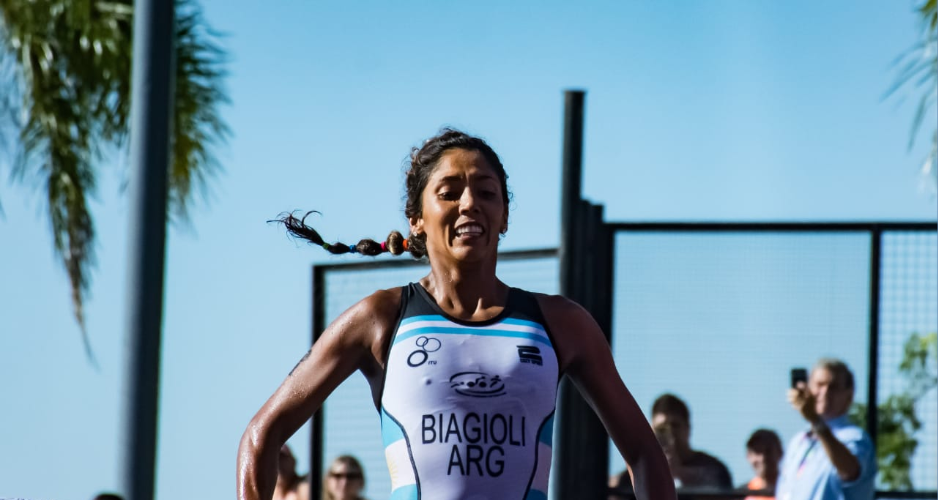 Home favourite Romina Biagioli claimed the first gold medal of the 2019 South American Beach Games by winning the women's sprint triathlon event in the Argentinean city of Rosario ©Rosario 2019