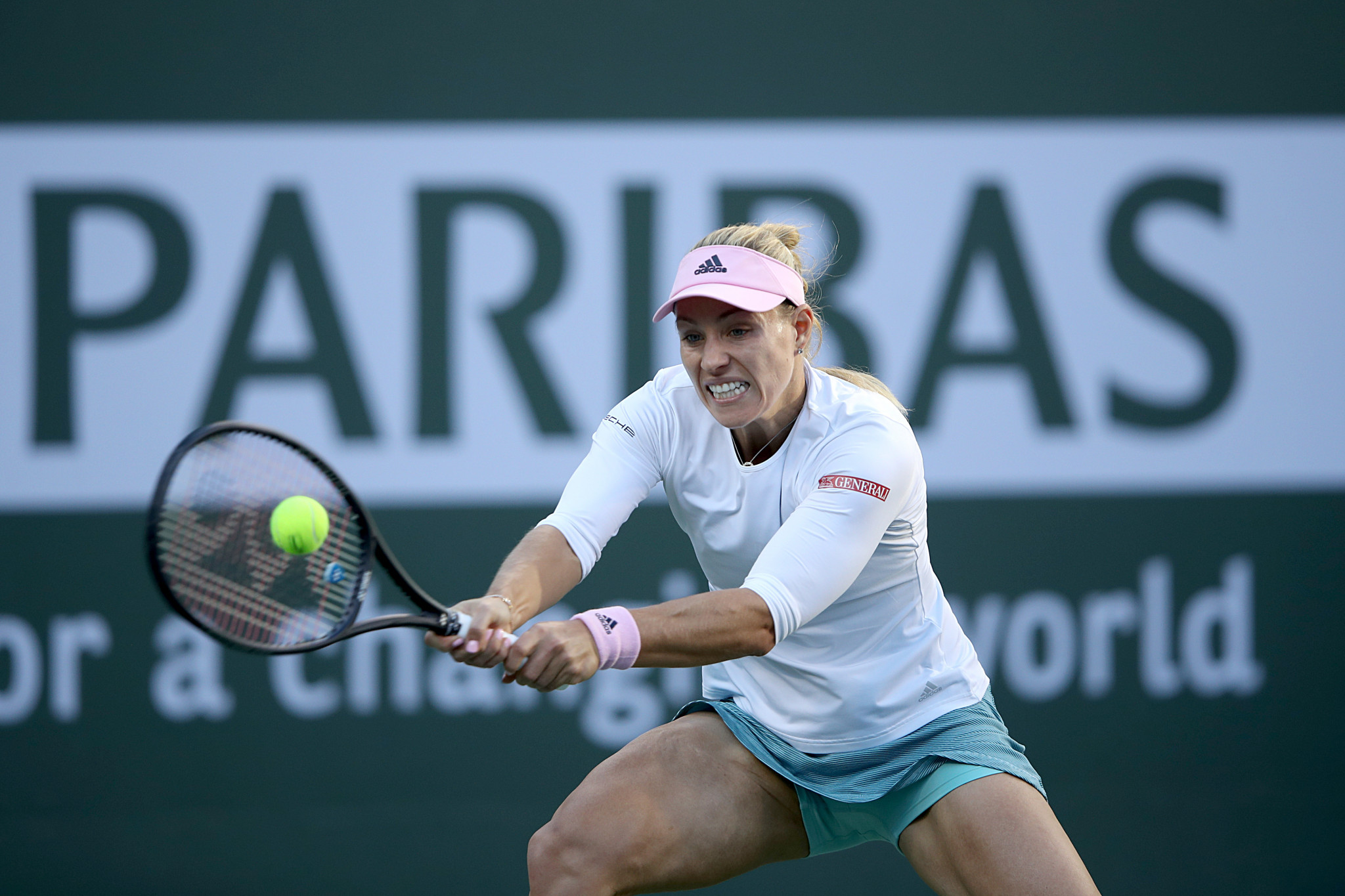 Germany's Angelique Kerber en route to victory over Venus Williams at the Indian Wells Masters in California ©Getty Images