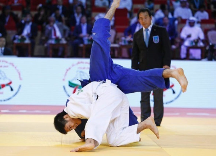 Japan earned another two titles on the second day of competition