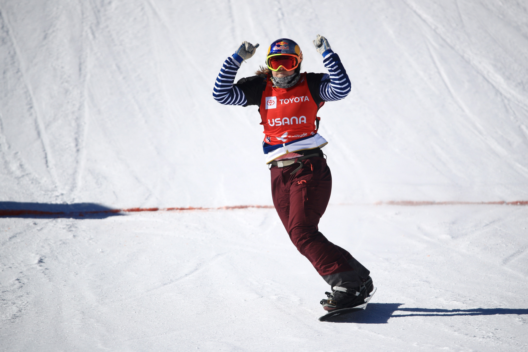 Samková beats Jacobellis to Snowboard Cross World Cup title with final victory in Veysonnaz