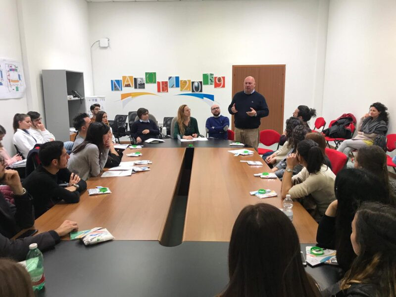 Naples 2019 hold training session for language students ahead of delegation visits