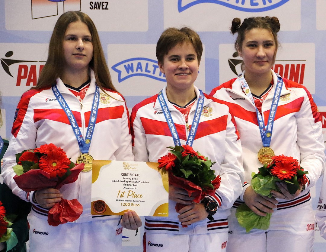 Russia won a thrilling women's junior team air pistol final against Hungary on the third day of competition at the European 10 metres Shooting Championship in Osijek ©ESC