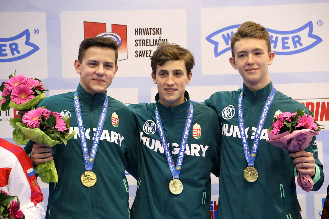 Hungary came out on top in the men's junior team air rifle event ©ESC