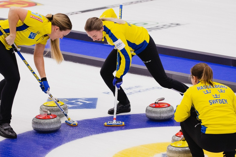 Sweden, pictured, and Russia have both qualified for the play-offs after the latest day of round-robin action at the Women's World Curling Championship in Danish town Silkeborg ©WCF/Céline Stucki