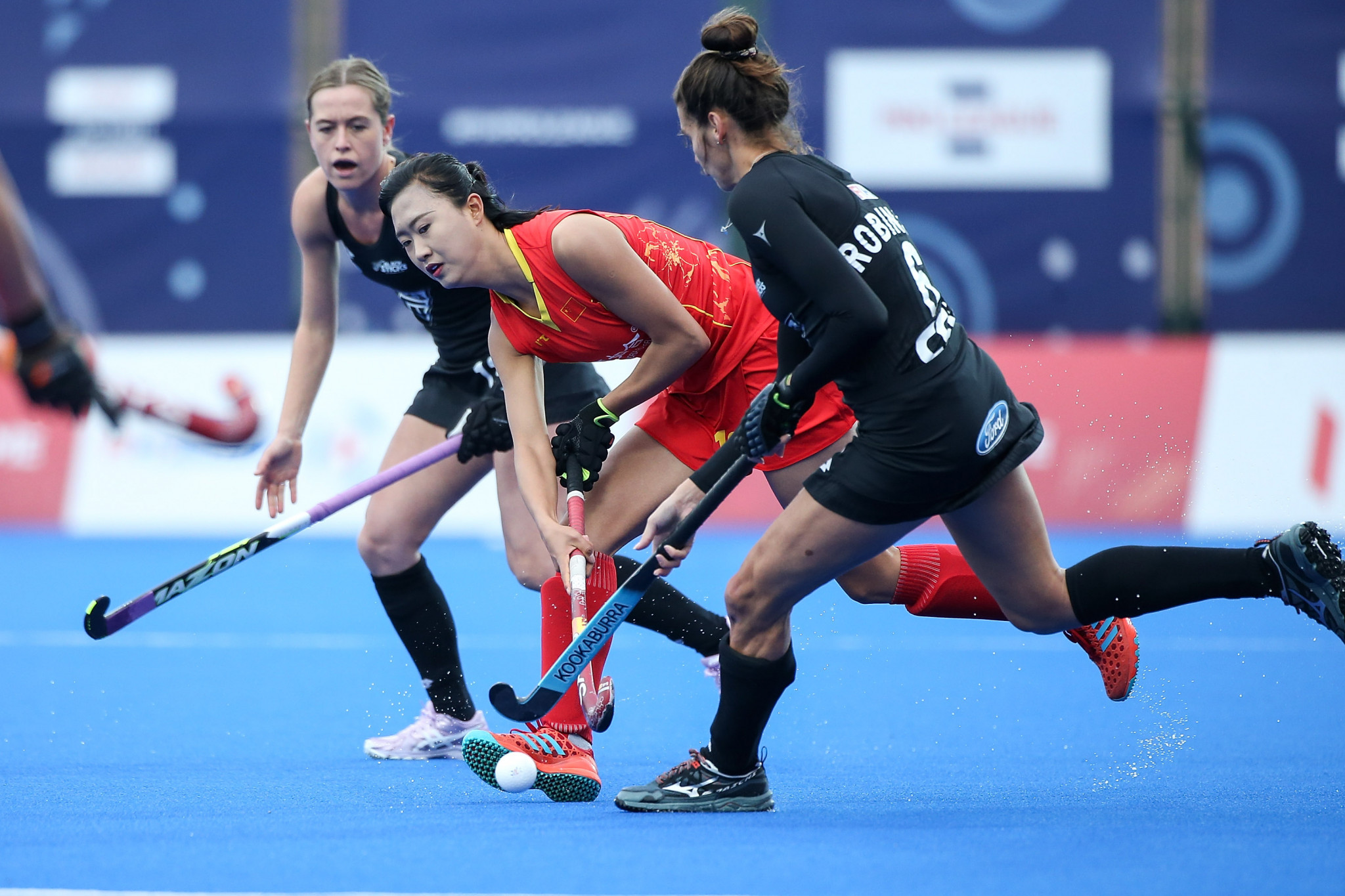 China led 3-0 going into a frantic final quarter ©Getty Images