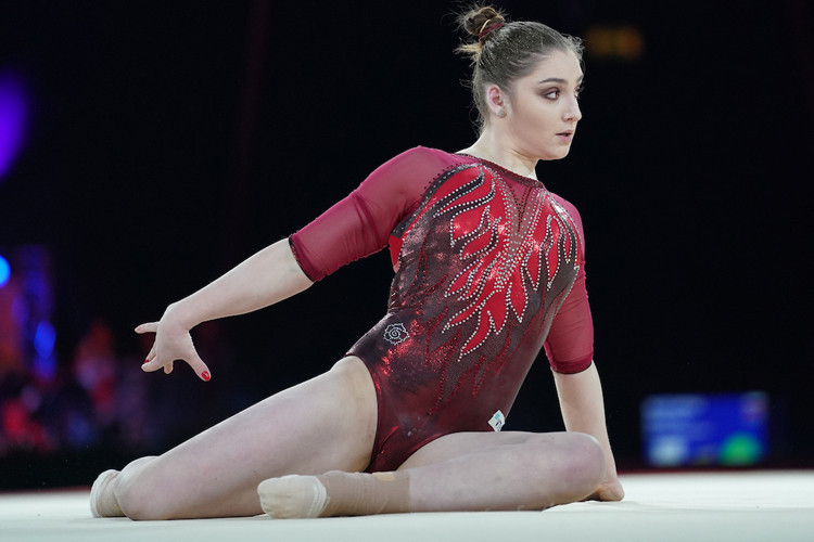 Double Olympic champion Aliya Mustafina lived up to expectations as she claimed victory in the women's event ©British Gymnastics