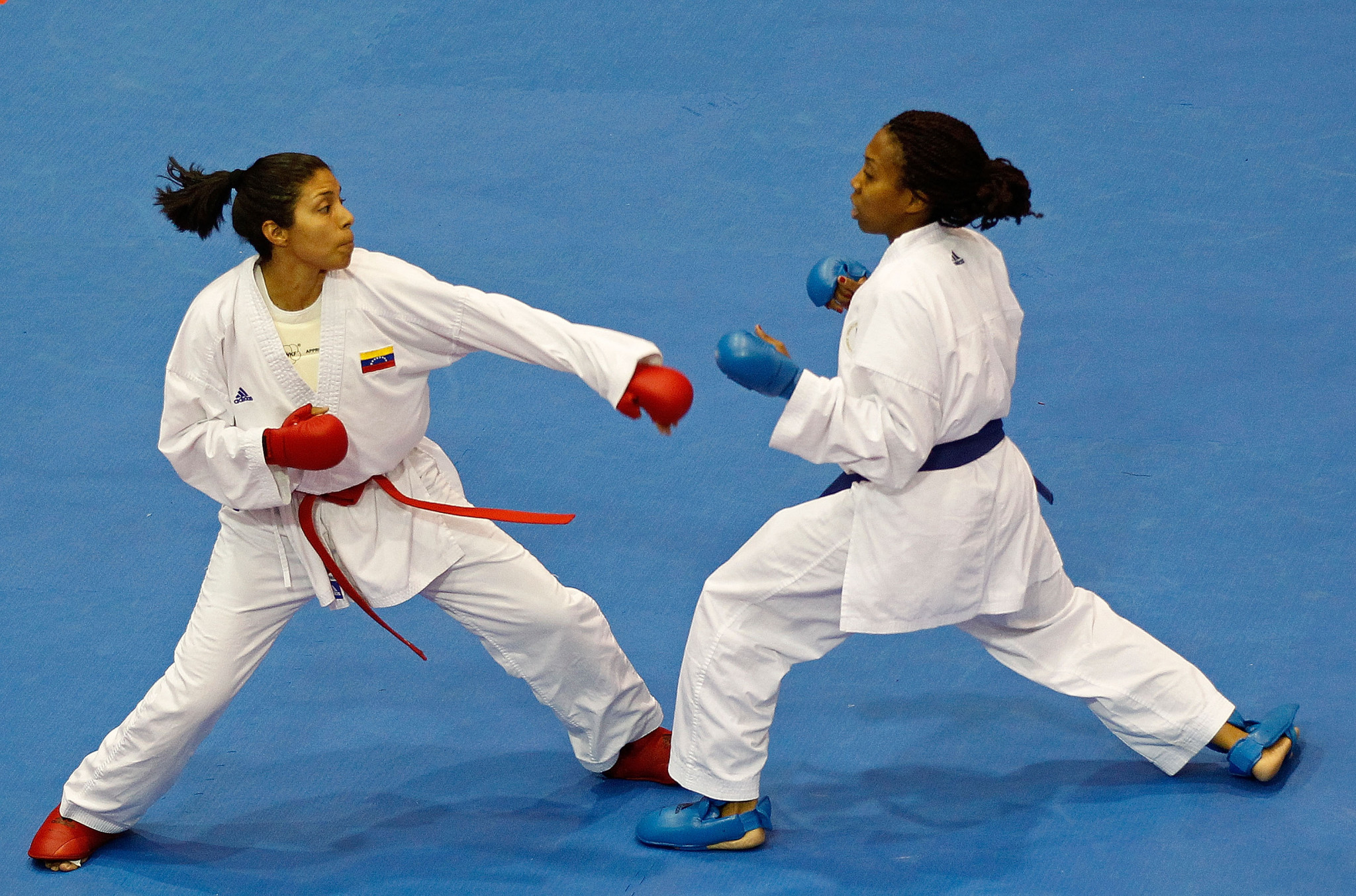 Cheryl Murphy, right, won gold for United States in the women's kumite under 68kg division ©Getty Images