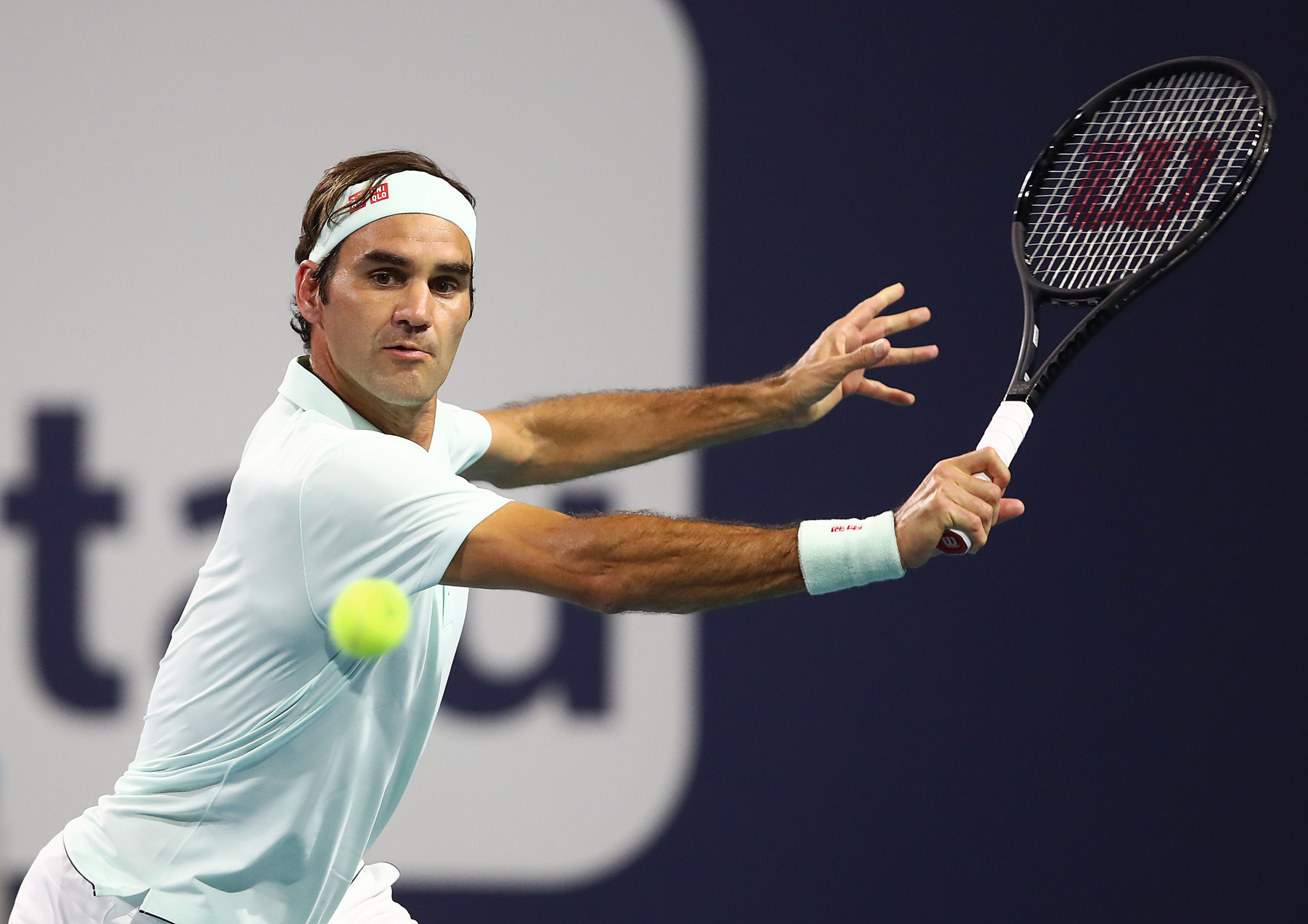 Roger Federer eased into the men's singles semi-finals ©Getty Images