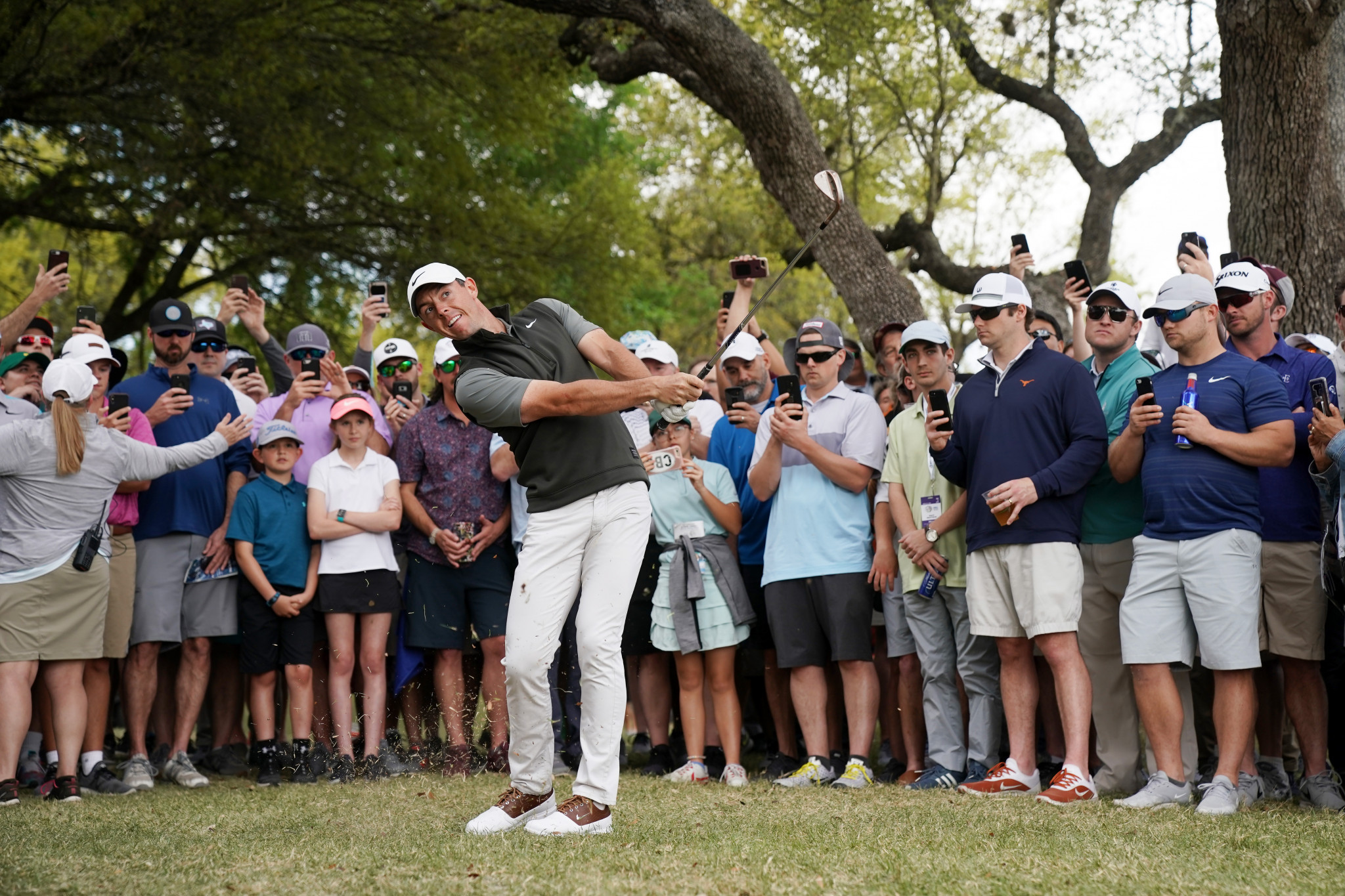 McIlroy maintains perfect start as Woods falters on day two of WGC-Dell Technologies Match Play