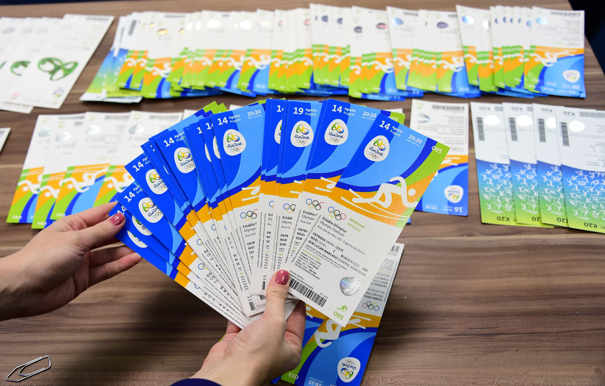 Brazilian police display seized tickets during Rio 2016 ©Getty Images