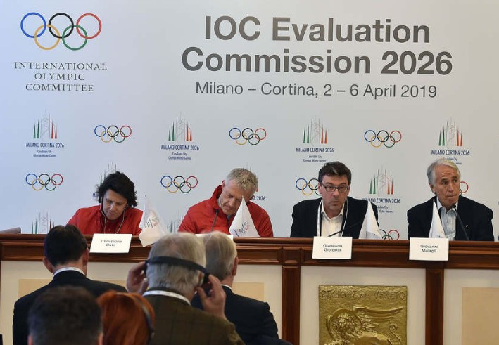 CONI President Giovanni Malagò, right, is optimistic the IOC Evaluation Commission will be impressed by the Milan Cortina 2026 bid ©Twitter