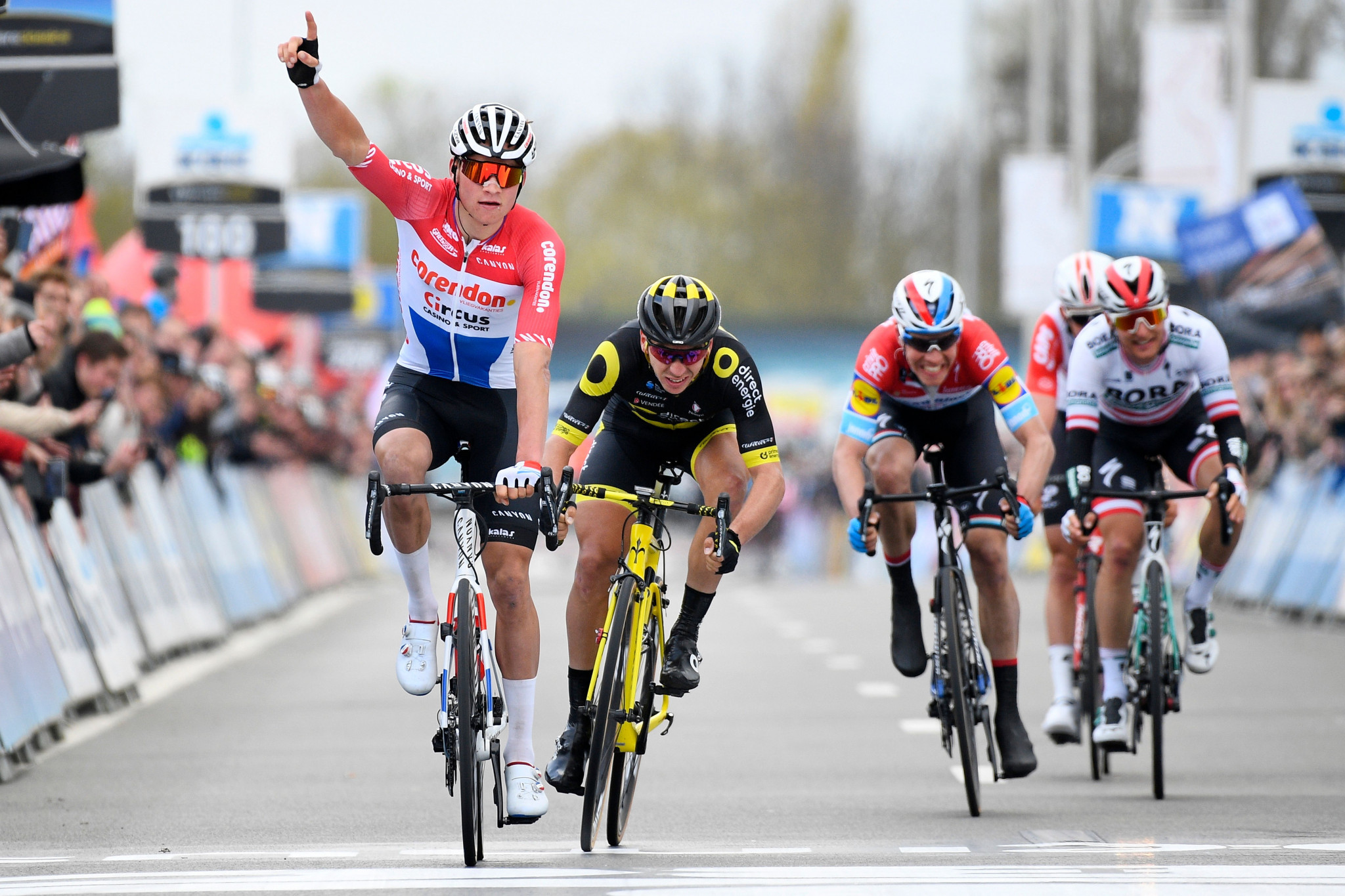 Van der Poel clinches maiden UCI WorldTour triumph at Dwars door Vlaanderen