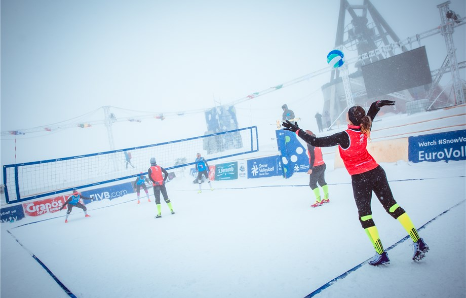 Czech Republic secure two qualifiers to women's main draw at FIVB Snow Volleyball World Tour in Kronplatz