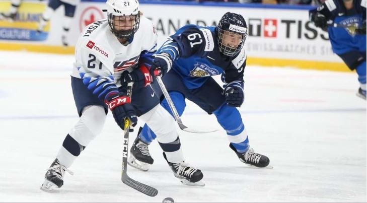 Five goals without reply in the final 20 minutes saw defending champions United States overcome the hosts 6-2 on day one of the IIHF Women's World Championships in Espoo ©IIHF
