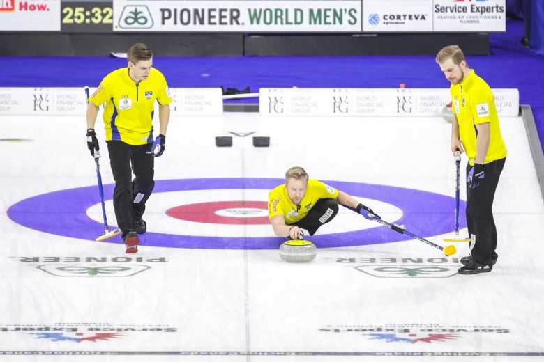 Sweden book play-off spot at World Men's Curling Championship