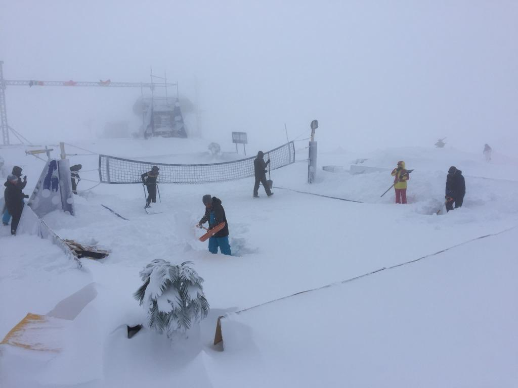 Heavy snowfall forces cancellation of second day's play at FIVB Snow Volleyball World Tour in Kronplatz