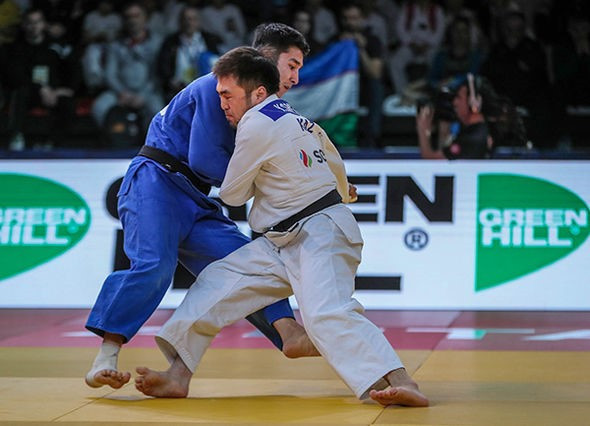 Kazakhstan's Smetov a class above on opening day of IJF Grand Prix in Antalya