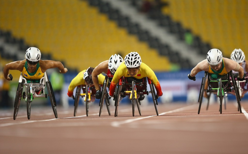 Late charge propels de Rozario to gold as world record spree continues in Doha