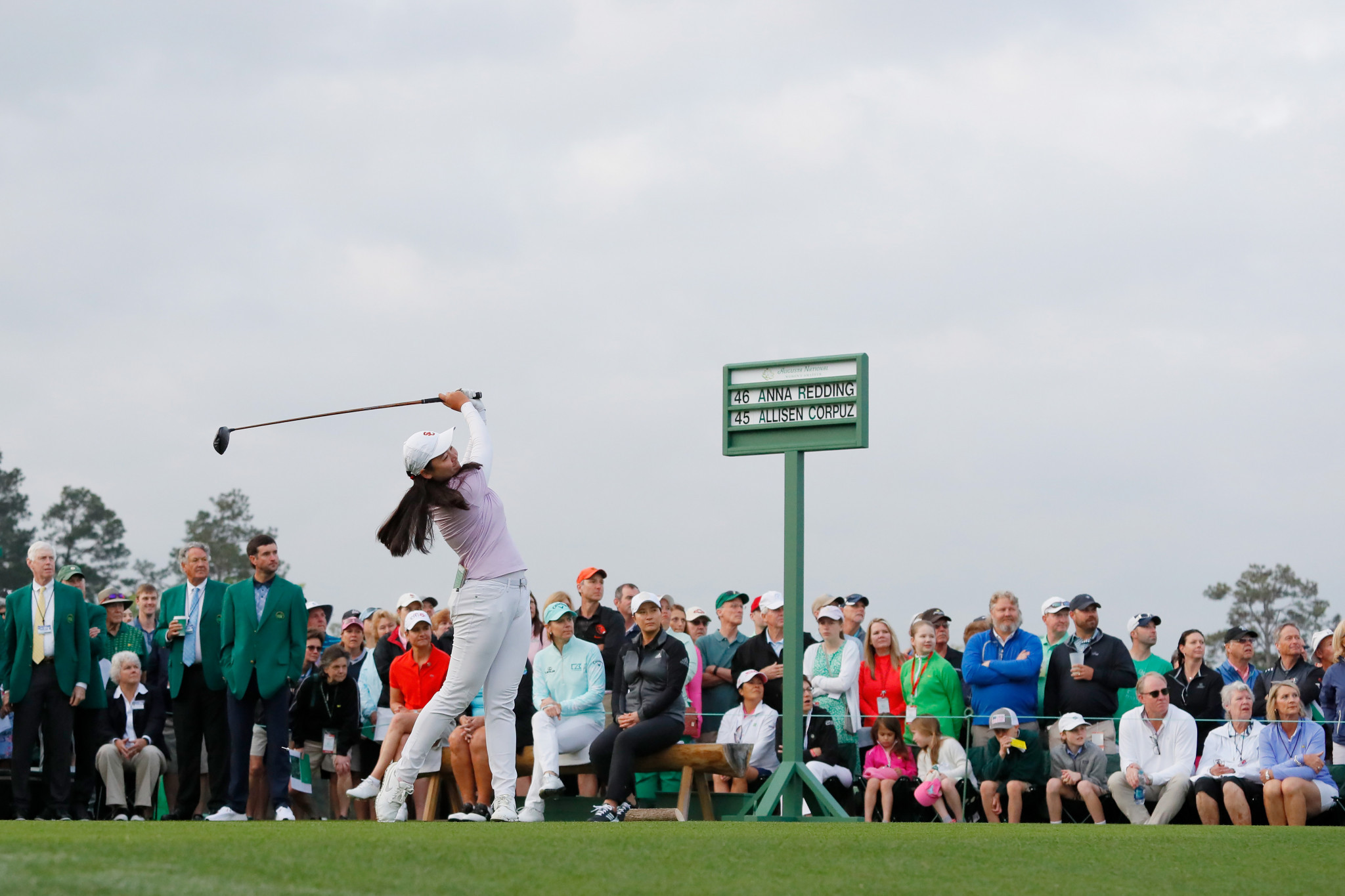 Ladies Professional Golf Association legends hit ceremonial tee shots to open the first competitive round of women's golf to be held at Augusta National ©Getty Images