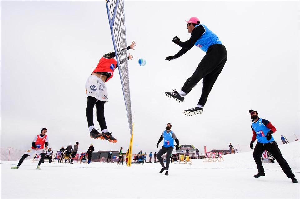 Quarter-final fixtures decided as play resumes at FIVB Snow Volleyball World Tour in Kronplatz
