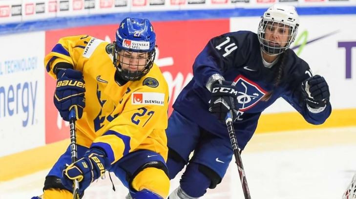 Sweden kept alive their hopes of progress at the IIHF Women's World Championships in Finland with a 2-1 win which relegated France to Division One ©IIHF