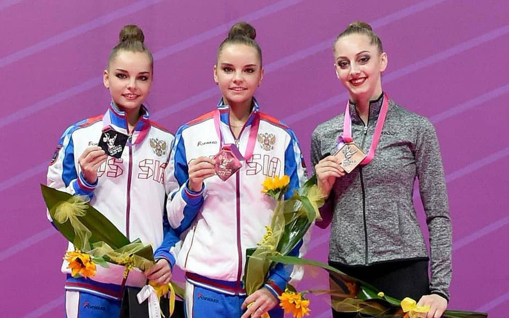 Twins Dina and Arina Averina were the dominant force at the FIG Rhythmic Gymnastics World Cup in Pesaro ©FIG/Enrico Della Valle