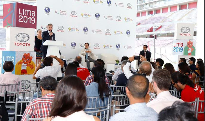 Lima 2019 President Carlos Neuhaus announces Toyota's sponsorship committtment to the Pan American and Parapan American Games in a press conference at the National Stadium ©Lima 2019