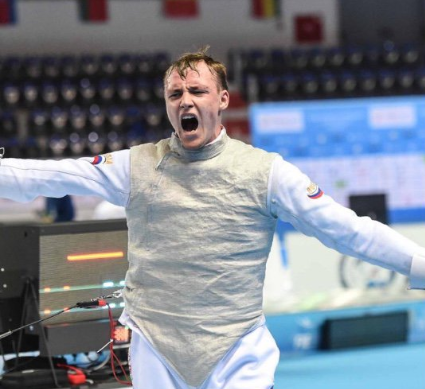 Borodachev wins all-Russian final to claim men's foil title at Junior and Cadet World Fencing Championships