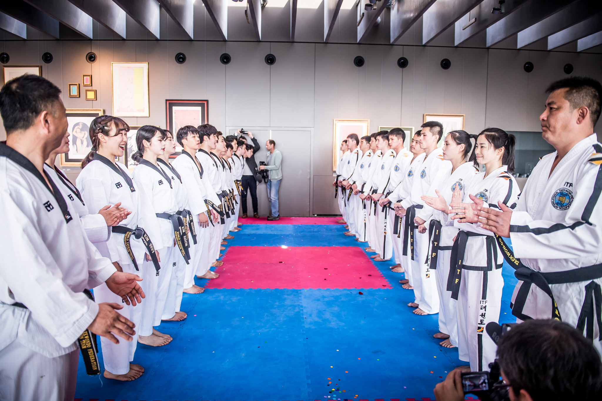 The two teams came together in a joint display after they had finished their individual performances ©World Taekwondo