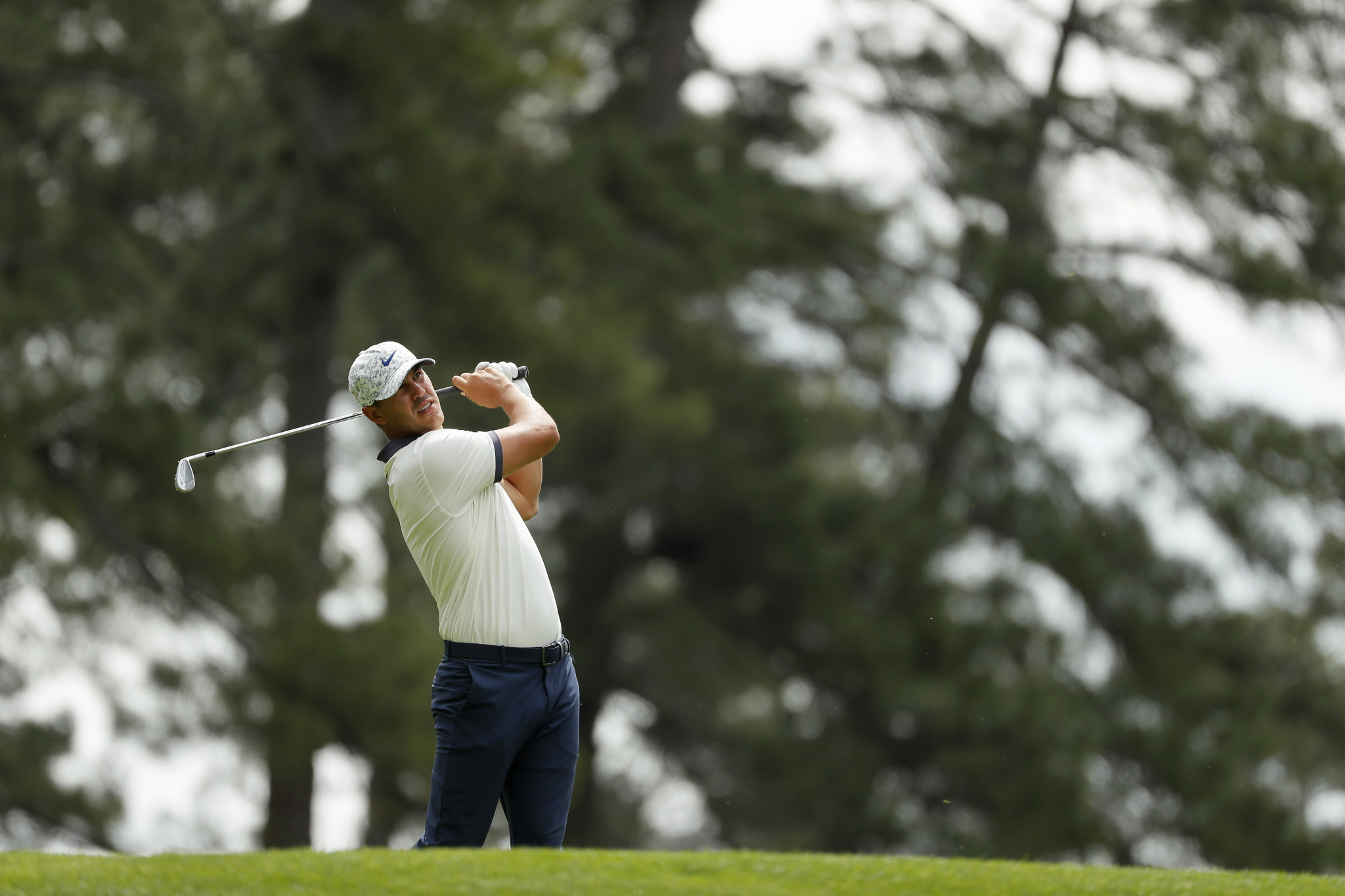 Five tied for the lead at halfway point of The Masters