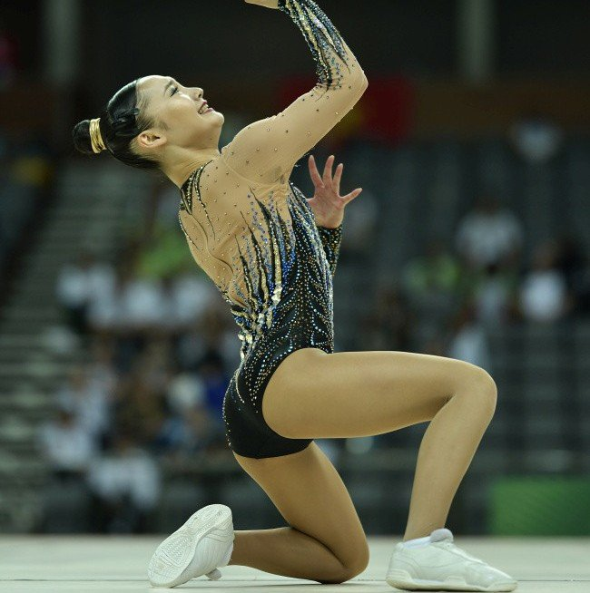 Home favourites top men's and women's qualification at FIG Aerobic World Cup in Tokyo