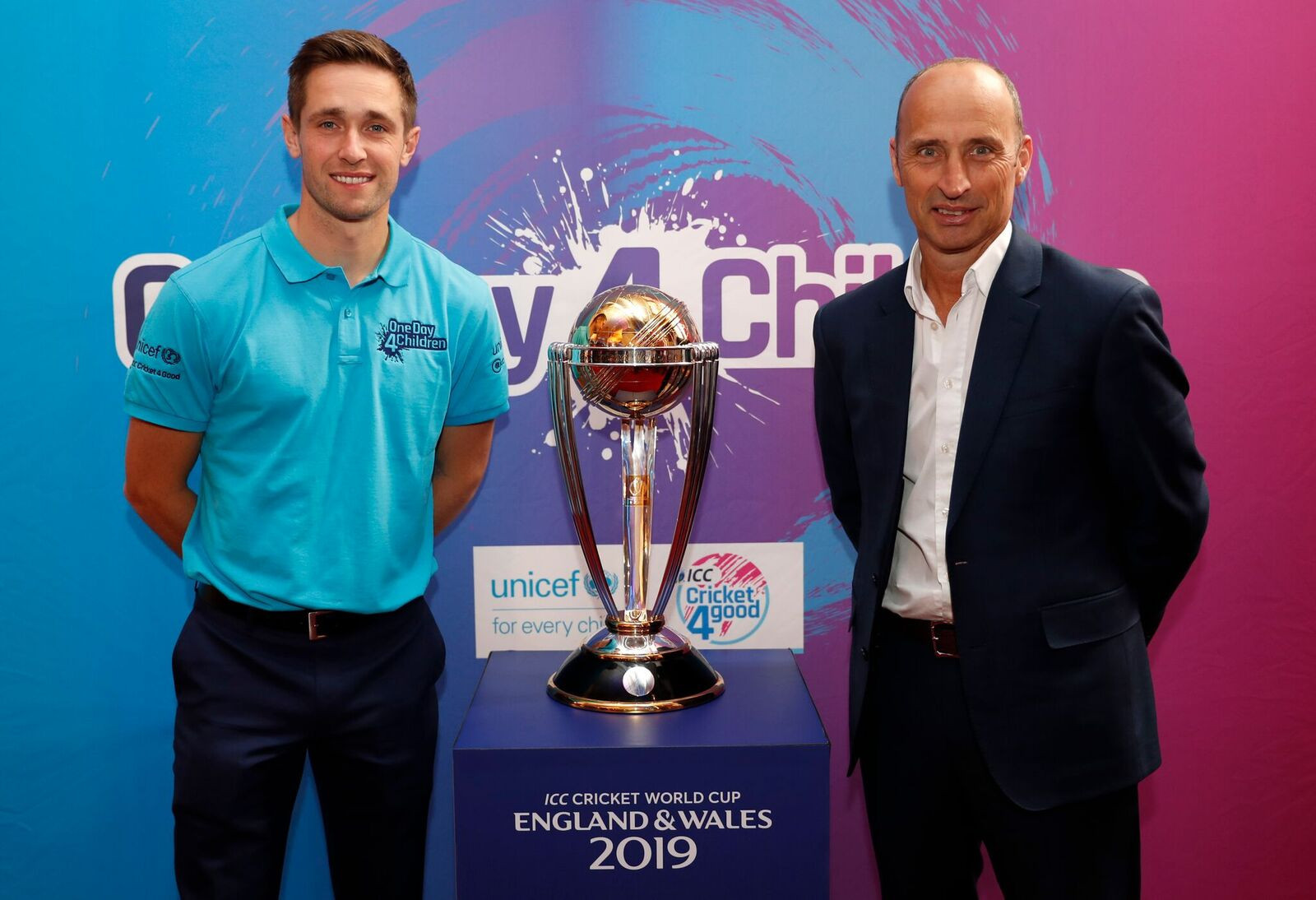 England all-rounder Chris Woakes, left, and former England captain Nasser Hussain, now ambassador for #OneDay4Children, help launch the funding initative in partnership with UNICEF that will run throughout the 2019 ICC Men's Cricket World Cup that will run in England and Wales from May 30 to July 14 ©ICC