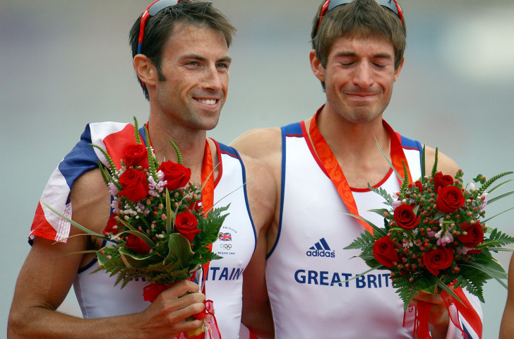 Mark Hunter, left, with Zac Purchase after winning gold in the lightweight double scull at the Beijing 2008 Games ©Getty Images