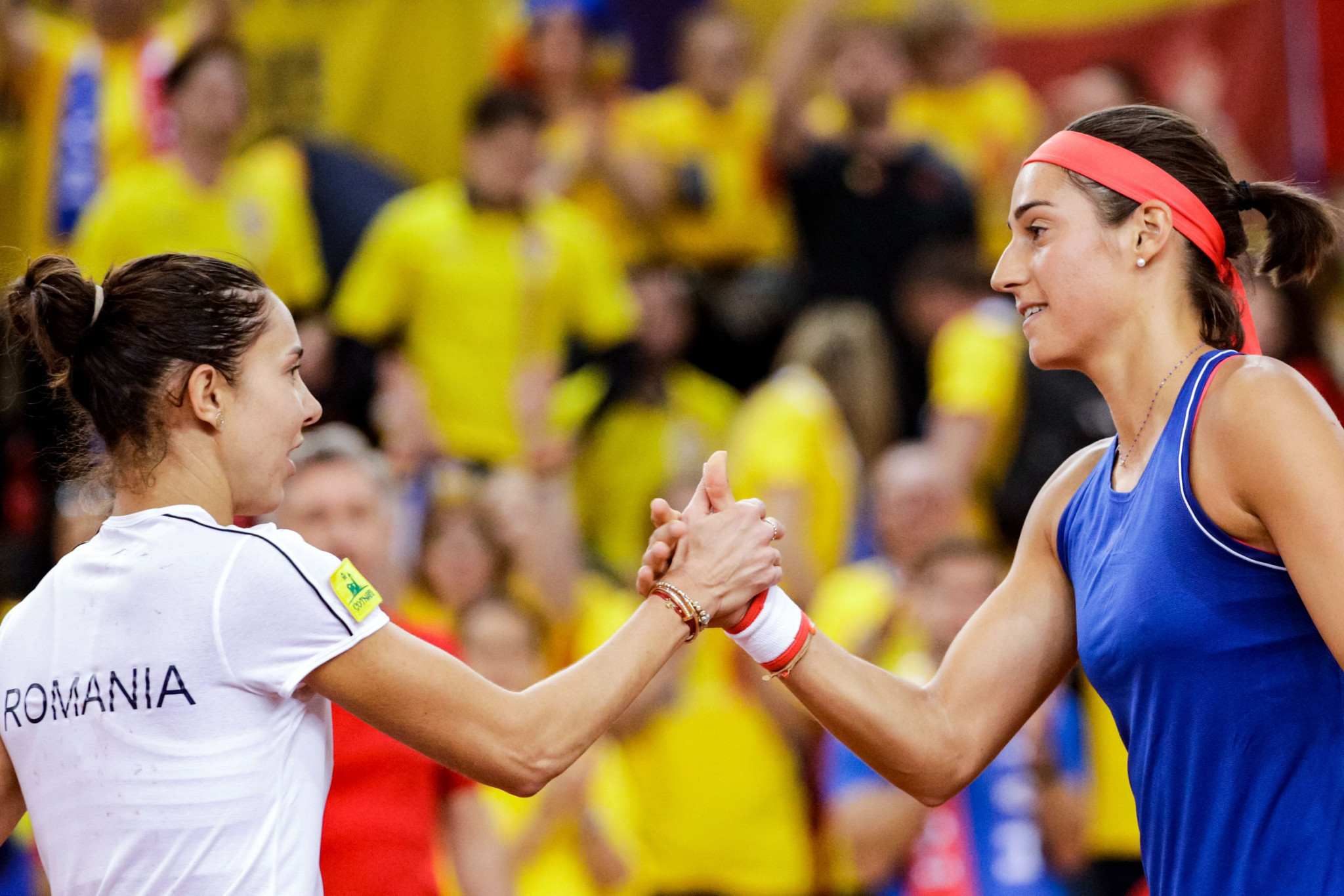Caroline Garcia beat Mihaela Buzărnescu in straight sets to level France's Fed Cup semi-final with Romania at 1-1 ©Getty Images
