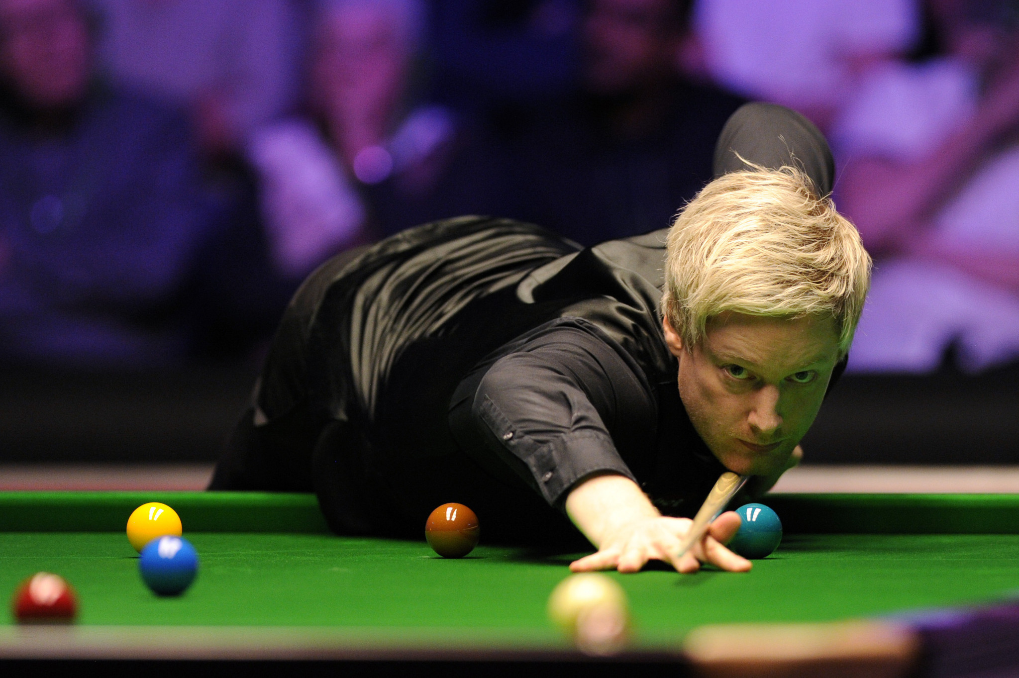 Robertson cruises into World Snooker Championship second round but misses out on piece of history