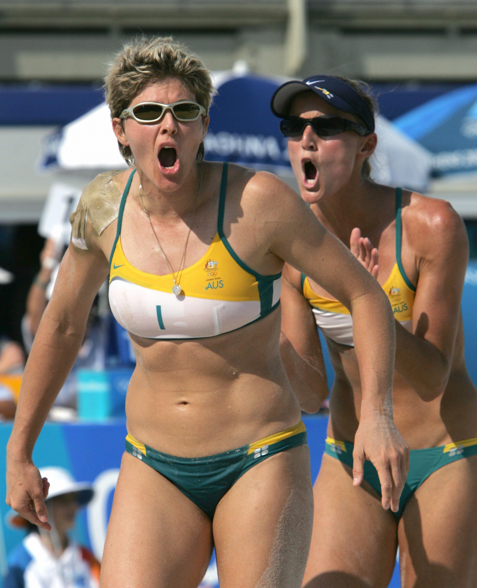 Kerri Pottharst and Natalie Cook won the women's Olympic beach volleyball title at Sydney 2000 ©Getty Images